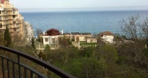 Квартира 94м 3 комноты расположена в 100 метрах от пляжа